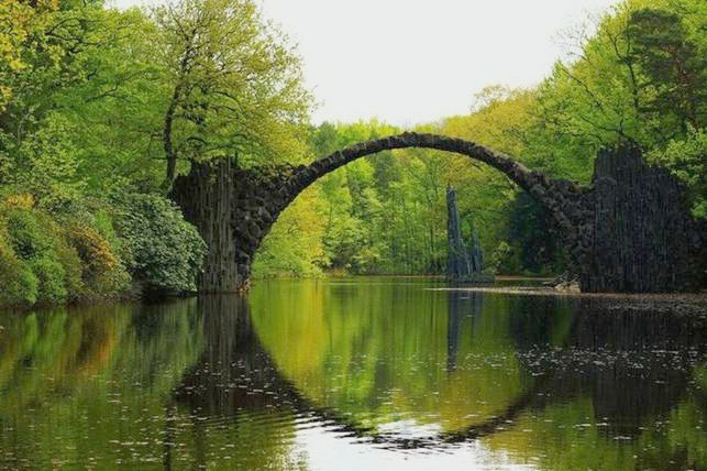 14-mystical-bridges-that-will-take-you-to-another_1
