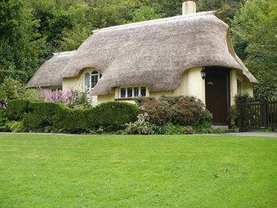 Thatched-houses-in-England-5