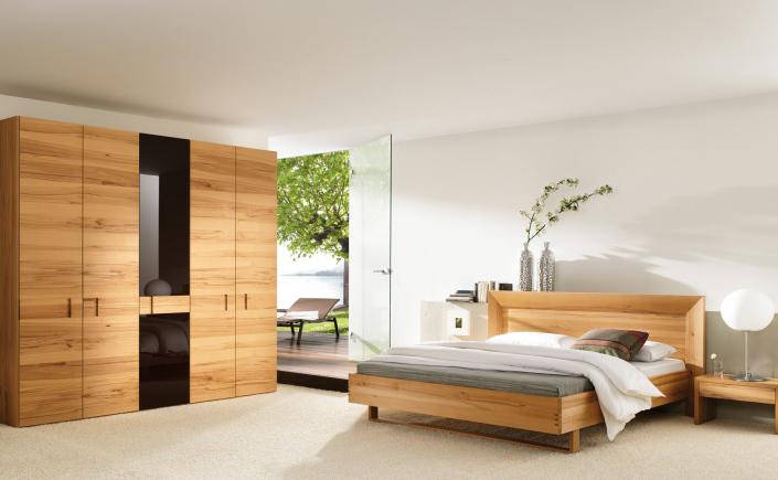 Elementele unui dormitor practic și elegant