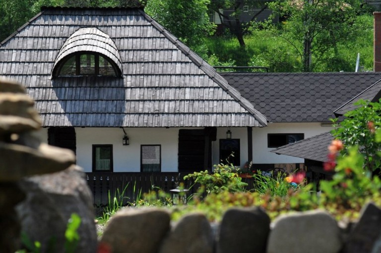 Casa Poveste, Campulung Moldovenesc (www.casapoveste.ro)