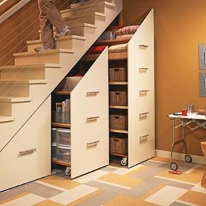 dulapuri-culisante-tip-sertar-vertical-sub-scara-interioara-300x300